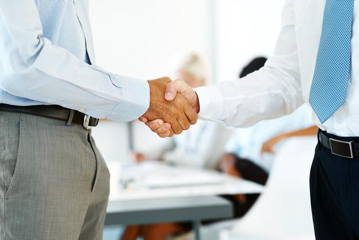 Бизнес и поручитель: Поручитель обязан компенсировать ущерб